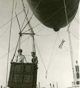 One pic-1933-June-Earhart-balloon