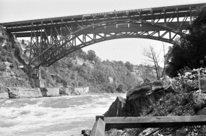 globe pics-canada-Whirlpool bridge
