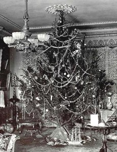 ChristmasDay-tree-1900