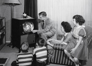 cue-family-tv-1952