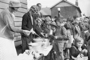 20th-century-soup-line-1930s